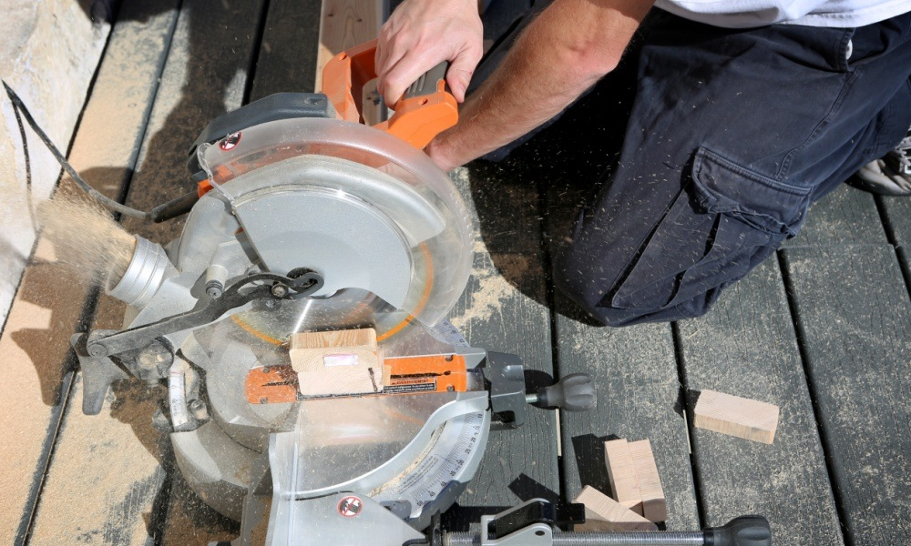 Best Compound Miter Saw of 2018 – Complete Reviews with Comparison