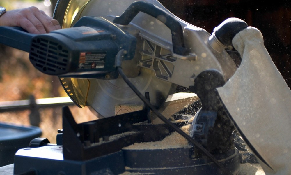 Can a 10 Inch Miter Saw Cut 4×4